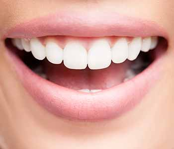 What types of treatment are available from a Prosthodontist in Pasadena, CA?